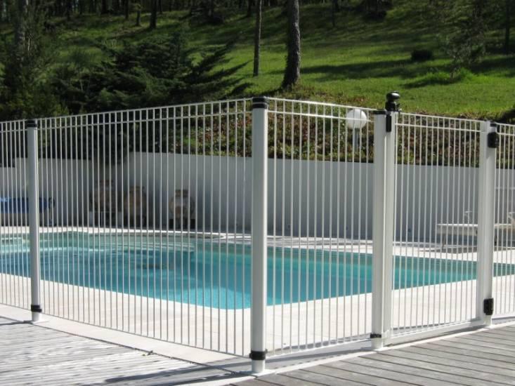 Clotures de piscine portails automatiques et cl tures for Cloture aluminium pour piscine